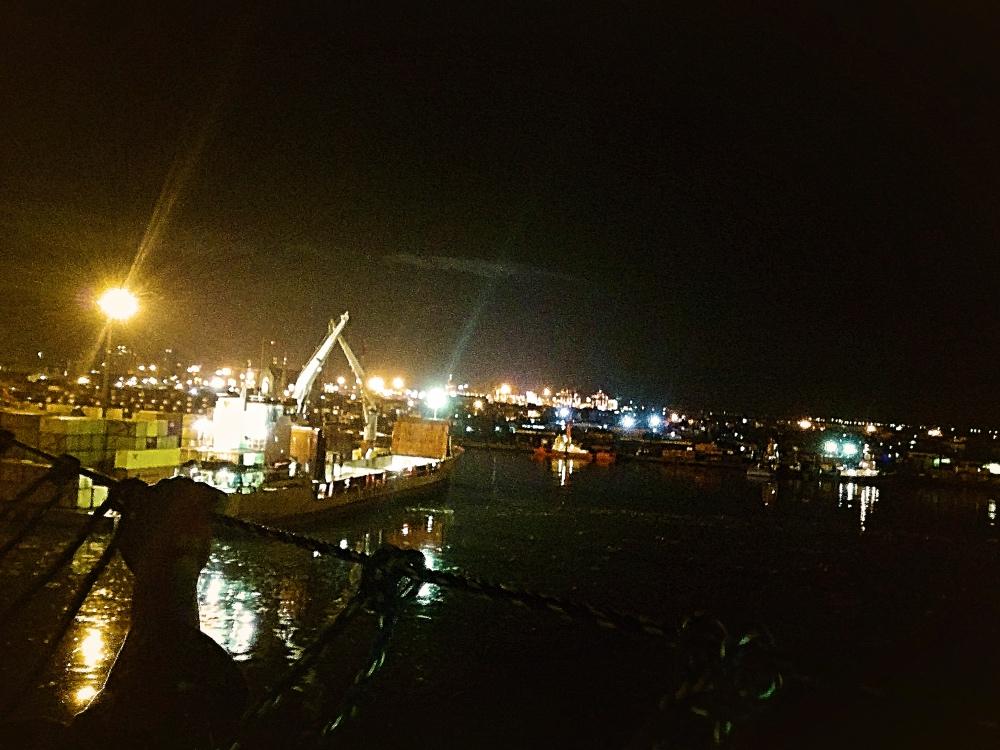 PM23:00 マニラ到着
