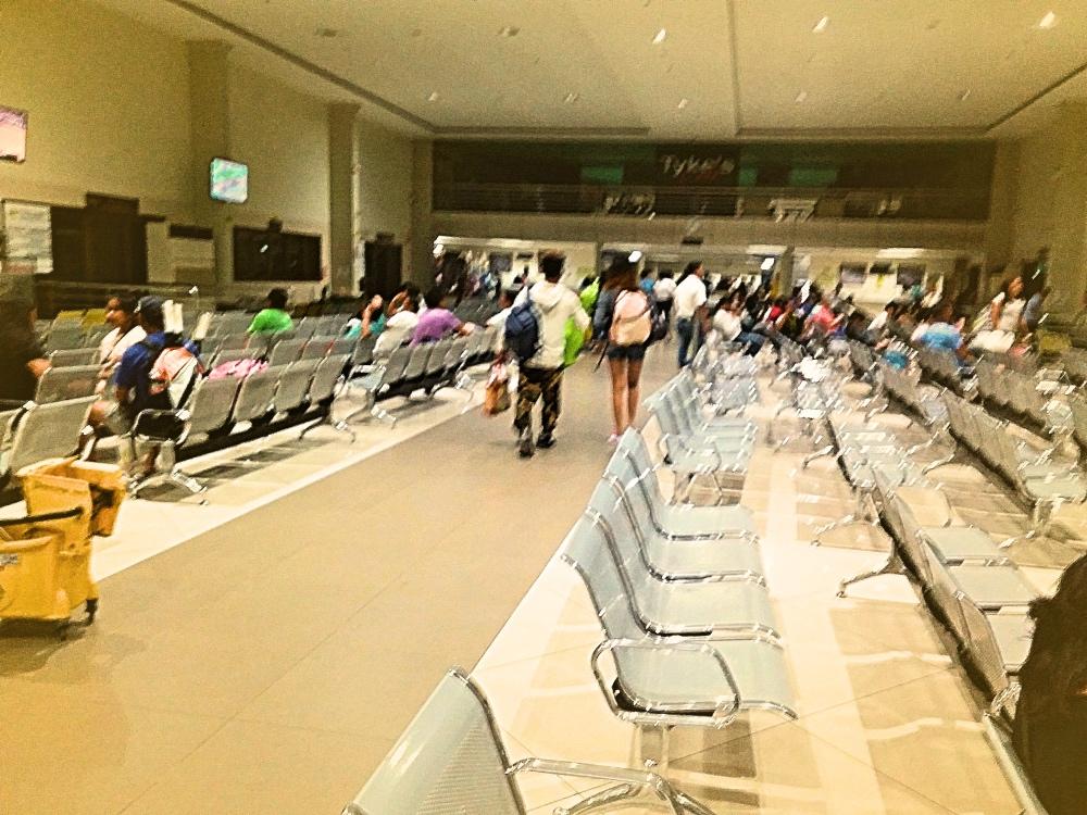 CEBU フェリーターミナル  ターミナル税25ペソTP顔写真登録します。